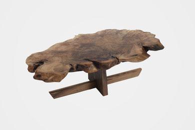 T1497 · Caucasian Walnut, European Walnut#arttable#table#coffeeetable#homedecoration#artcollector#sculpturel#coffeetable#woodworking#interiordesign#woodsculpture#art#woodart#wooddesign#decorativewood#originalartwork#modernwoodsculpture#joergpietschmann#ol