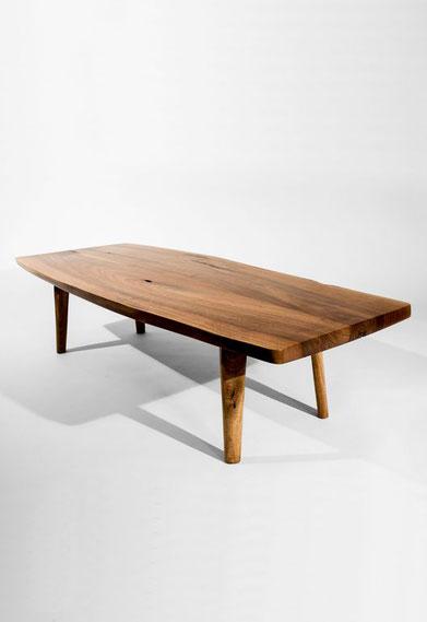 T1191 · European Walnut#arttabletable#coffeeetable#sculpture#bowl#coffeetable#woodworking#interiordesign#woodsculptures#art#woodart#wooddesign#decorativewood#originalartwork#modernwoodsculpture#joergpietschmann#oldwood