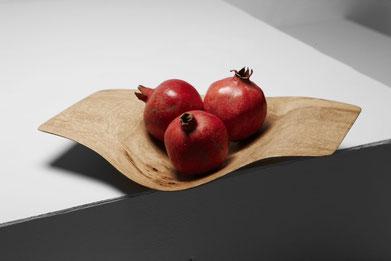 V0128 · Oak#vessel#bowl#coffeetable#woodworking#interiordesign#woodsculptures#art#woodart#wooddesign#decorativewood#originalartwork#modernwoodsculpture#joergpietschmann#oldwood