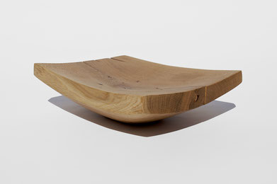 V1477 · Oak#vessel#bowl#coffeetable#woodworking#interiordesign#woodsculptures#art#woodart#wooddesign#decorativewood#originalartwork#modernwoodsculpture#joergpietschmann#oldwood