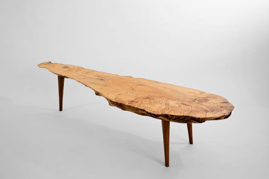 T1020 · Maple Burl, American Walnut#arttable#table#coffeeetable#homedecoration#artcollector#sculpturel#coffeetable#woodworking#interiordesign#woodsculpture#art#woodart#wooddesign#decorativewood#originalartwork#modernwoodsculpture#joergpietschmann#oldwood