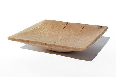 V1719 · Oak#vessel#bowl#coffeetable#woodworking#interiordesign#woodsculptures#art#woodart#wooddesign#decorativewood#originalartwork#modernwoodsculpture#joergpietschmann#oldwood