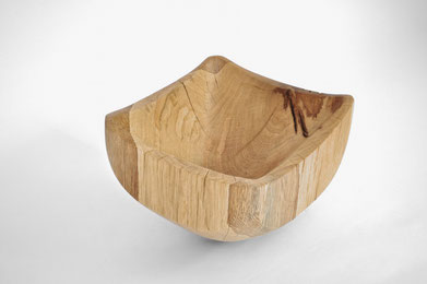 V1274 · Oak#vessel#bowl#coffeetable#woodworking#interiordesign#woodsculptures#art#woodart#wooddesign#decorativewood#originalartwork#modernwoodsculpture#joergpietschmann#oldwood