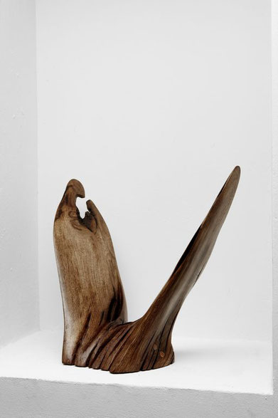 S0157 · Spruce#woodsculpture#stool#console#sculpture#originalart#woodworking#interiordesign#woodsculptures#art#woodart#wooddesign#decoration#decorativewood#originalartwork#modernwoodsculpture#joergpietschmann#oldwood