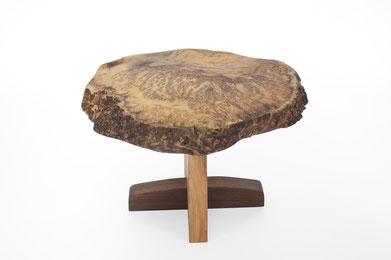 T2561 · Golden Matrone, Europ.Walnut #arttable#table#coffeeetable#homedecoration#artcollector#sculpturel#coffeetable#woodworking#interiordesign#woodsculpture#art#woodart#wooddesign#decorativewood#originalartwork#modernwoodsculpture#joergpietschmann#oldwoo