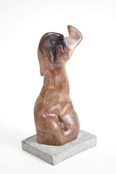 S1399 · Trop.Driftwood#woodsculpture#stool#console#sculpture#originalart#woodworking#interiordesign#woodsculptures#art#woodart#wooddesign#decoration#decorativewood#originalartwork#modernwoodsculpture#joergpietschmann#oldwood