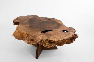 1084 · Caucasian Walnut, American Black Walnut#arttabletable#coffeeetable#sculpture#bowl#coffeetable#woodworking#interiordesign#woodsculptures#art#woodart#wooddesign#decorativewood#originalartwork#modernwoodsculpture#joergpietschmann#oldwood
