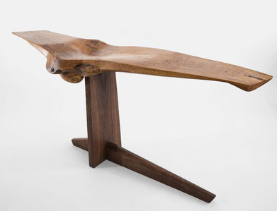 C1014 · Oak, American Black Walnut#bench#stool#console#sculpture##woodworking#interiordesign#woodsculptures#art#woodart#wooddesign#decorativewood#originalartwork#modernwoodsculpture#joergpietschmann#oldwood