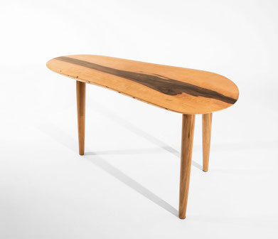 T0177 · European Walnut#arttable#table#coffeeetable#homedecoration#artcollector#sculpturel#coffeetable#woodworking#interiordesign#woodsculpture#art#woodart#wooddesign#decorativewood#originalartwork#modernwoodsculpture#joergpietschmann#oldwood