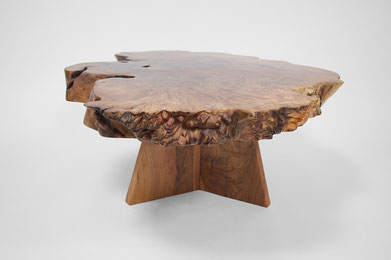 T1355 · Cauc.Walnut, Europ.Walnut#arttabletable#coffeeetable#sculpture#bowl#coffeetable#woodworking#interiordesign#woodsculptures#art#woodart#wooddesign#decorativewood#originalartwork#modernwoodsculpture#joergpietschmann#oldwood