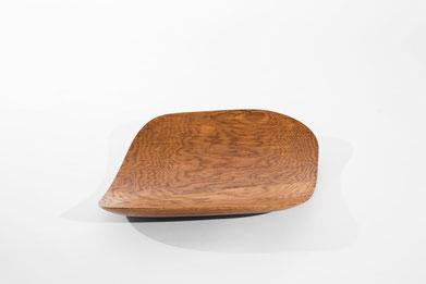V0139 · Oak#vessel#bowl#coffeetable#woodworking#interiordesign#woodsculptures#art#woodart#wooddesign#decorativewood#originalartwork#modernwoodsculpture#joergpietschmann#oldwood