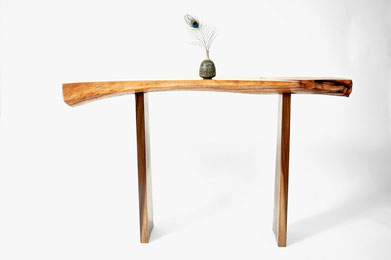 C1024 · Oak, Americ. Black Walnut#bench#stool#console#sculpture#bowl#coffeetable#woodworking#interiordesign#woodsculptures#art#woodart#wooddesign#decorativewood#originalartwork#modernwoodsculpture#joergpietschmann#oldwood