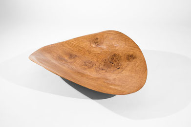 V0069 · Oak#vessel#bowl#coffeetable#woodworking#interiordesign#woodsculptures#art#woodart#wooddesign#decorativewood#originalartwork#modernwoodsculpture#joergpietschmann#oldwood