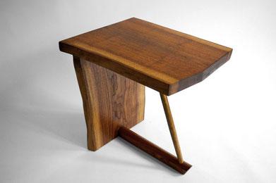 T1051 · American Black Walnut#arttabletable#coffeeetable#sculpture#bowl#coffeetable#woodworking#interiordesign#woodsculptures#art#woodart#wooddesign#decorativewood#originalartwork#modernwoodsculpture#joergpietschmann#oldwood