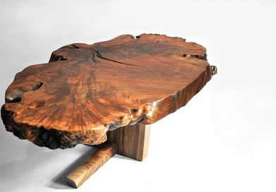 T1182 · Asian Walnut, European Walnut#arttabletable#coffeeetable#sculpture#bowl#coffeetable#woodworking#interiordesign#woodsculptures#art#woodart#wooddesign#decorativewood#originalartwork#modernwoodsculpture#joergpietschmann#oldwood