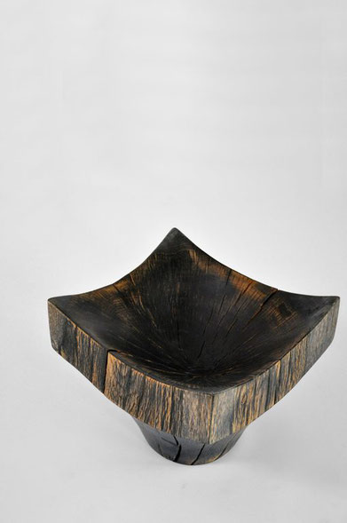 V1204 · Oak#vessel#bowl#coffeetable#woodworking#interiordesign#woodsculptures#art#woodart#wooddesign#decorativewood#originalartwork#modernwoodsculpture#joergpietschmann#oldwood