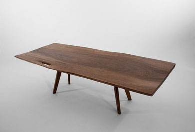 T1121 · Mahogany, American Walnut#arttabletable#coffeeetable#sculpture#bowl#coffeetable#woodworking#interiordesign#woodsculptures#art#woodart#wooddesign#decorativewood#originalartwork#modernwoodsculpture#joergpietschmann#oldwood