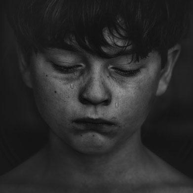 Photo de Kat Jayne sur Pexels Enfant qui pleure en silence