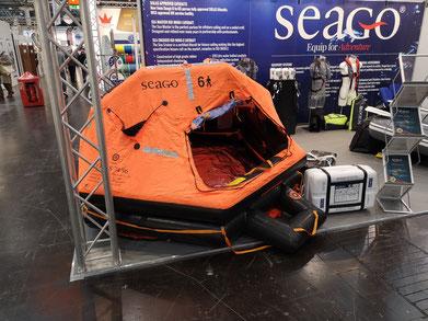 Eine einsatzbereite Rettungsinsel unseres Handelspartner, der Firma Seago. Wir hoffen natürlich genauso wie Sie, dass Sie diese niemals aufgeblasen sehen müssen.