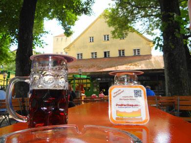 Im Biergarten der ältesten Brauerei der Welt.