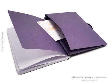 NO_17b  Notebook impreziosito dalla tasca stampata nelle cromie brand