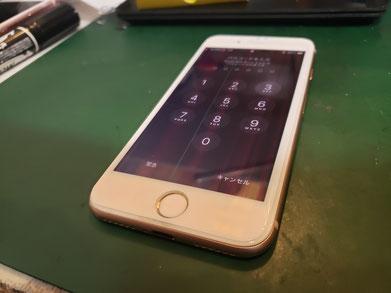 LCDカラーフィルターの故障と静電容量方式のタッチセンサーが故障したiPhone SE