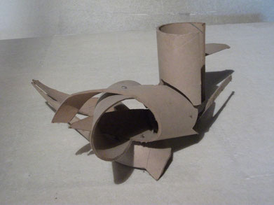 1989 sculpture abstraite en carton N° 1