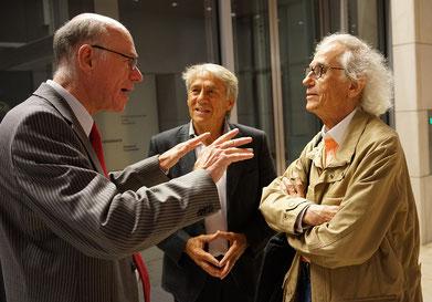 Bundestagspräsident Dr. Norbert Lammert, Roland Specker und Christo im Berliner Reichstagsgebäude, 1. Juli 2014 // Foto: Wolfgang Volz