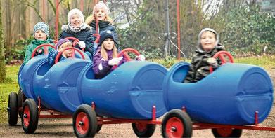 Rasante Fahrten mit dem Kinderzug: Hier kamen die Kleinsten auf ihre Kosten.