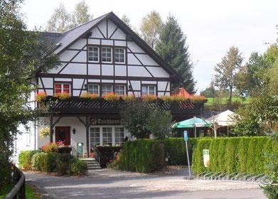 Das Teichhaus im Sommer