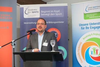 Dr. Marcel Berlinghoff