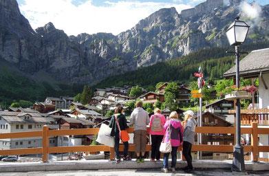 Beeindruckendes Panorama: die Bergwelt um Leukerbad im Wallis. Foto: Christoph Schumann, 2016