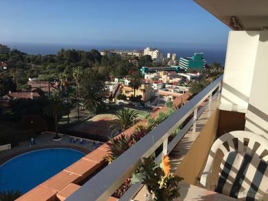 Blick vom Balkon auf das Meer von Puerto de la Cruz.