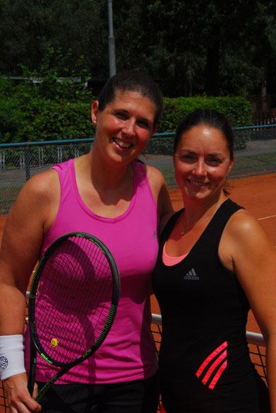 Die Damen 30 (v.l.) Antje  Hoffmann / TC GW Neustadt und Steffi Dargel / Leezener SC