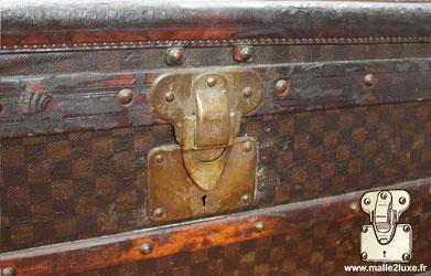 Serrure Louis Vuitton ancienne abimée