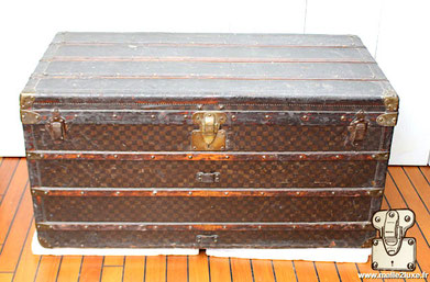 VARNISHED CANVAS - LOUIS VUITTON COURIER TRUNK