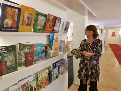 Ulrika Erlandsson, die Leiterin der pädagogischen Abteilung, ist stolz auf ihre Unterrichtsmaterialien