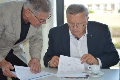 Die Seniorexperten Reinhard Huber und Bernhard Holzer als Mentoren