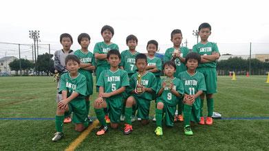 優勝の安行東サッカー少年団