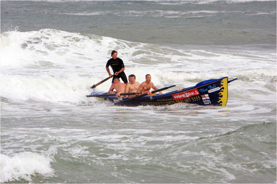 retour en surf avec le surfboat