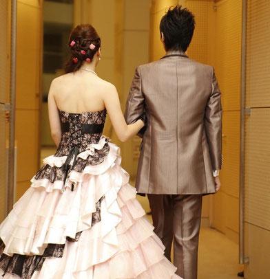 結婚式二次会で着る衣装
