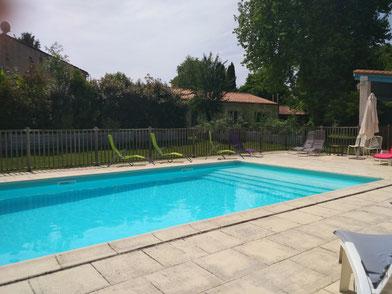piscine, solarium, gîte, chambre d'hôte