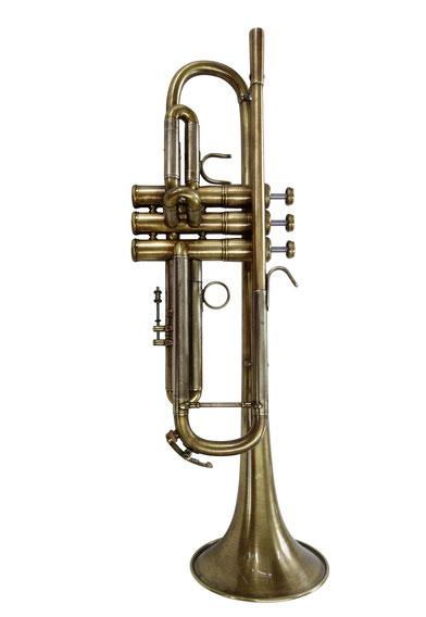 Perinettrompete cool-m(aw)  antik gebürstet und lackiert