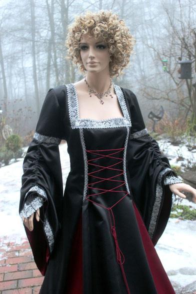 Mittelaltergewand,Mittelalterkleidung aus dem Atelier Mittelalter-Fashion & Mittelalter-Design.