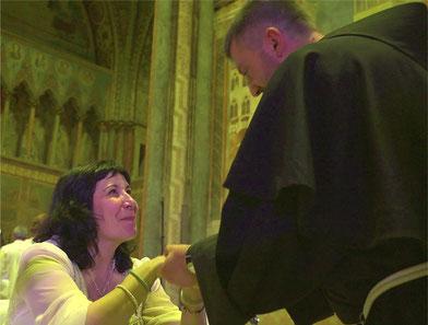 Pakoune avec un frère franciscain après le concert