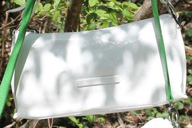 Elegante, weiße Handtasche