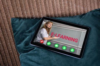 Avec votre ordinateur, tablette ou mobile ...