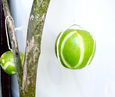 Beatrice Winkel - Grüner essbarer Osterschmuck aus Äpfeln