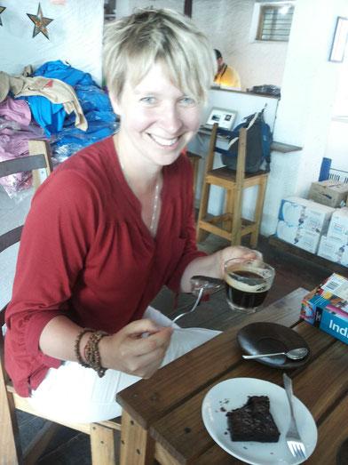 Ein Wunder - Kaffee und Brownie hoch oben..je näher der Himmel desto besser...