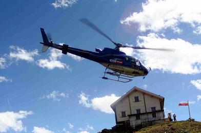 Hubschrauber Versorgung am Brunnenkogelhaus